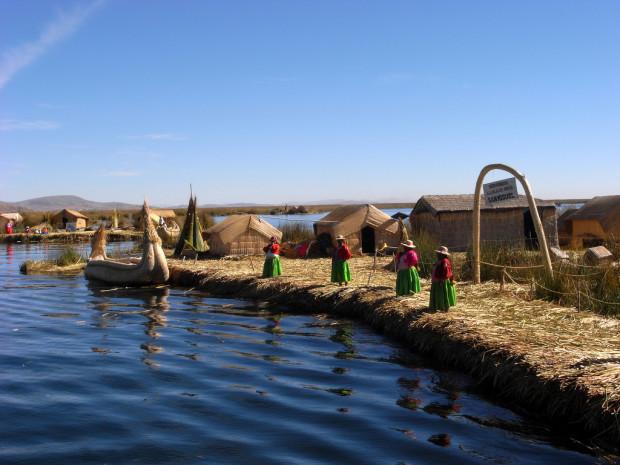 peru-lake-titicaca-island-620x465