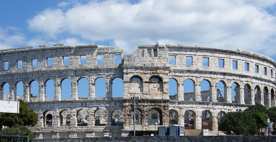 amphitheater-261115_960_720.jpg